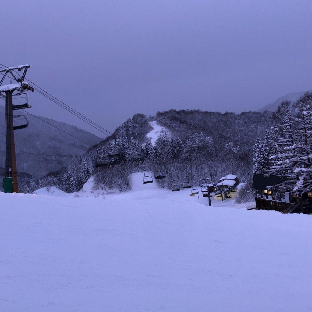 【ゲレンデレポート】かぐらスキー場は東京からのアクセス良好でパウダーもパークもエンジョイ可能!