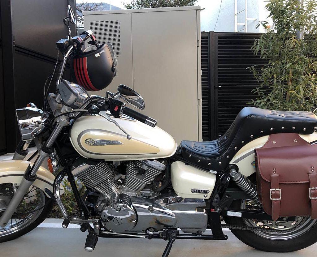 【バイクカスタム】ドラッグスター250のにキング&クイーンシートを取り付けたので写真付きで解説する